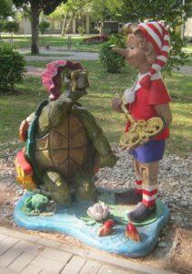 Буратино и черепаха Тортилла в Геленджике, фото Наты