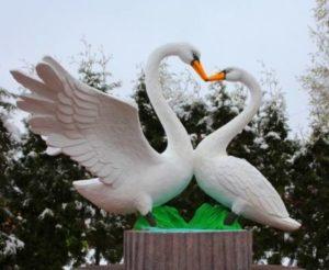 Памятник Лебединой верности в Нижнем Новгороде