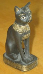 Египетская статуэтка кошки