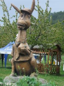 осел-памятник-Залессное Крым